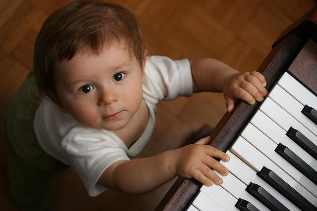 Bebe_Piano__MimitosDeMamá